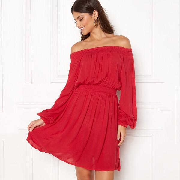 Make Way Krista Offshoulder mekko punainen - Mekot - Juhlamekot ... b9ffa166b3